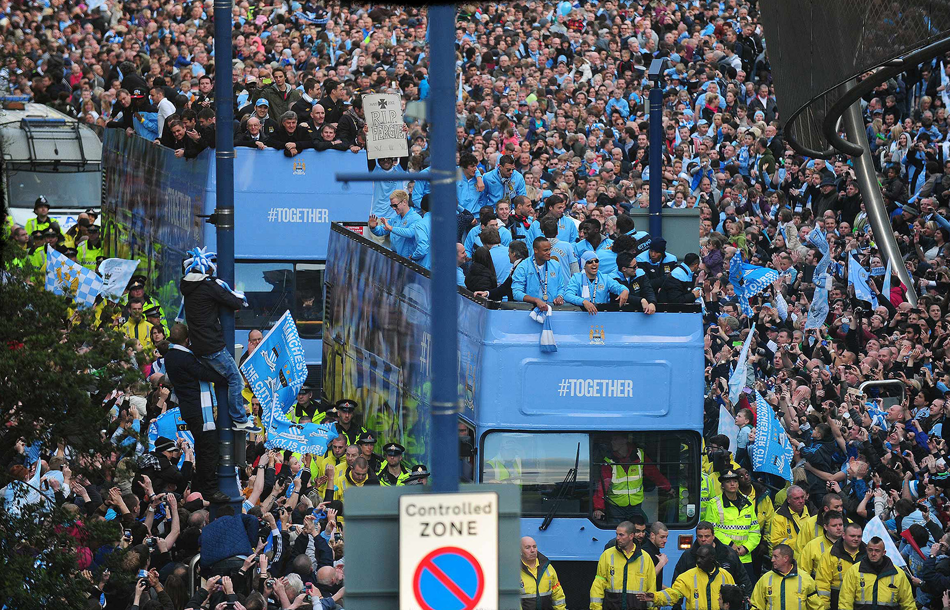 Photograph of Manchester City Winning Parade, Press Photographer Jon Parker Lee , Sport photography manchester